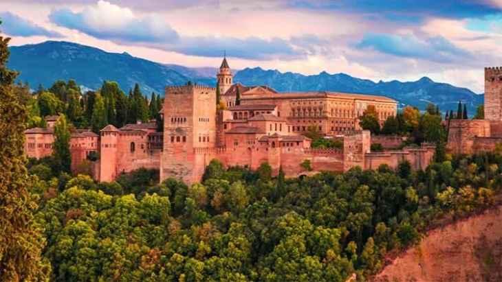 alhambra-of-granada-and-generalife-tour-4
