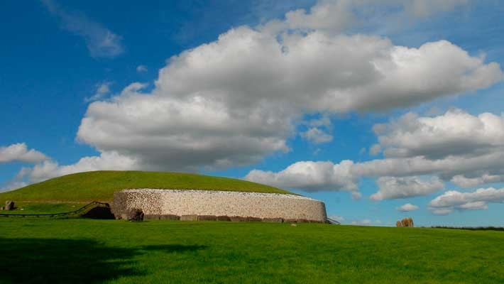 newgrange-and-boyne-valley-day-trip-from-dublin-2
