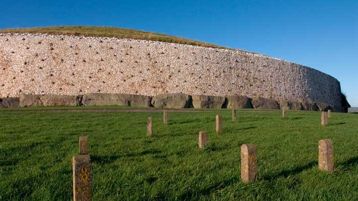 newgrange-and-boyne-valley-day-trip-from-dublin-3
