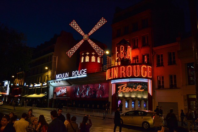 que ver en paris moulin rouge.jpg