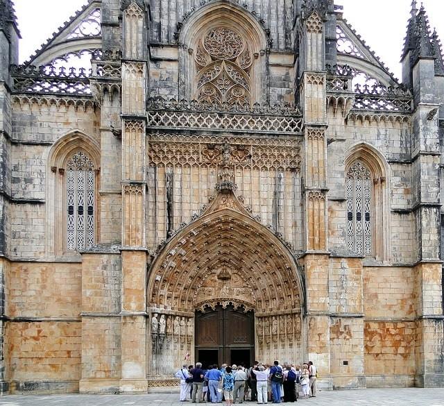 monasterio de san jeronimo portugal.jpg