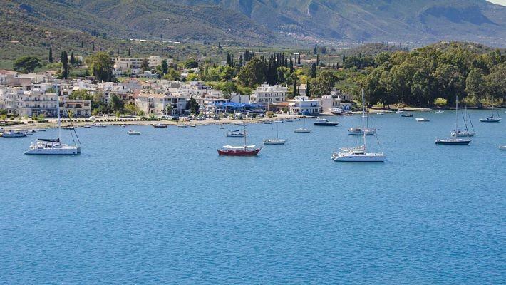 poros-hydra-aegina-cruise-from-athens-4