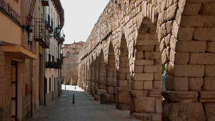 tour-diablillo-aqueduct-of-segovia-cathedral-2
