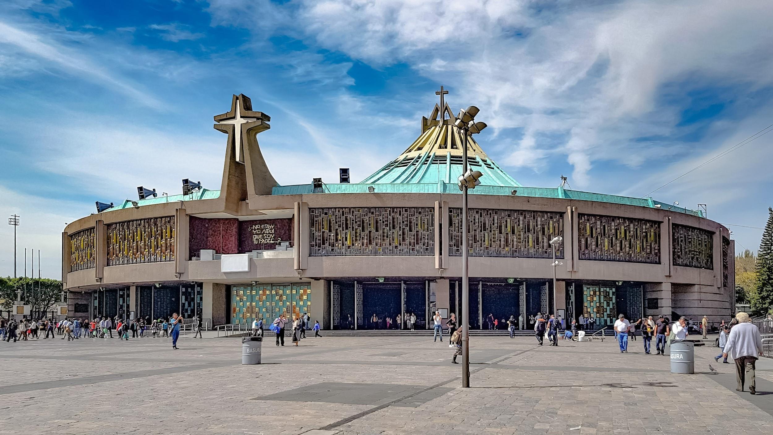 Free-Walking-Tour---Basilica-de-Guadalupe-3