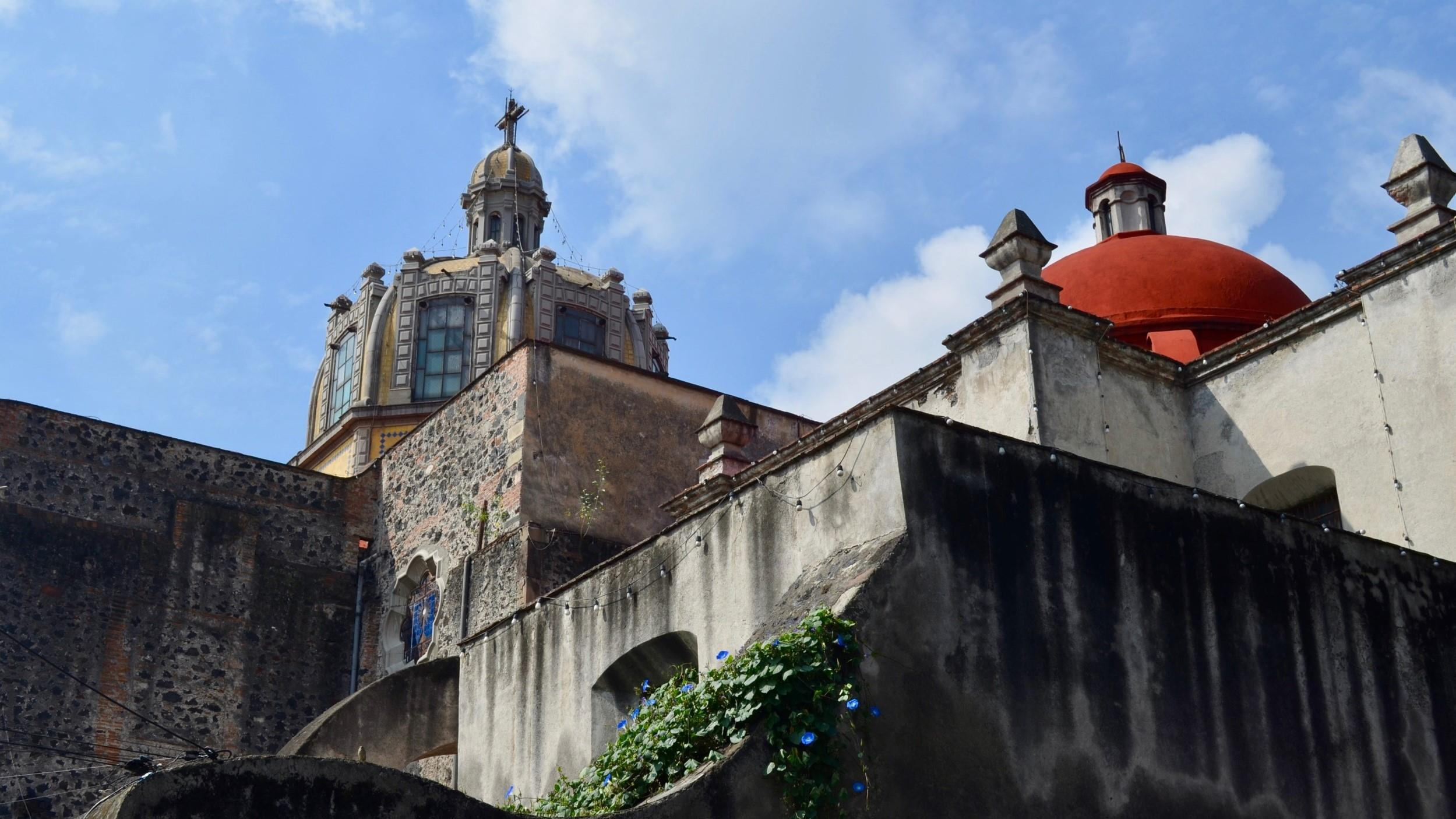 Free-History-&-Food-Tour-of-Coyoacan,-Mexico-City-10