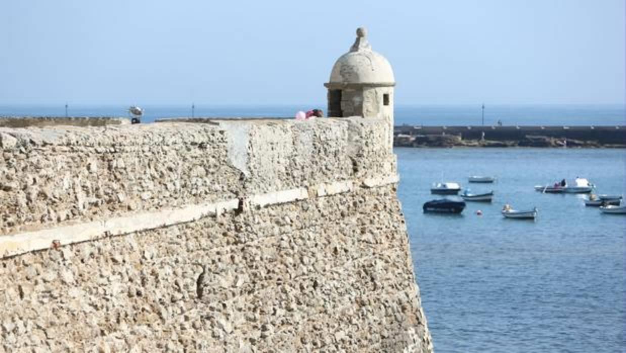 Tour Castillos y Baluartes de Cádiz