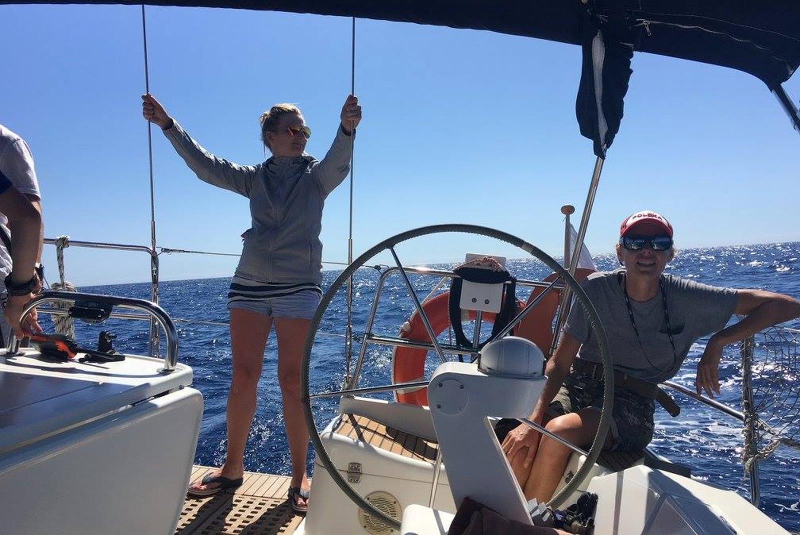 Sailing-Boat-Trip-from-Puerto-de-Mogan-6