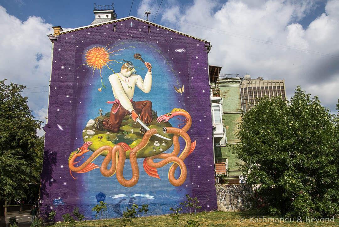 Urban-Art-and-Graffiti-Tour-of-Kiev-1