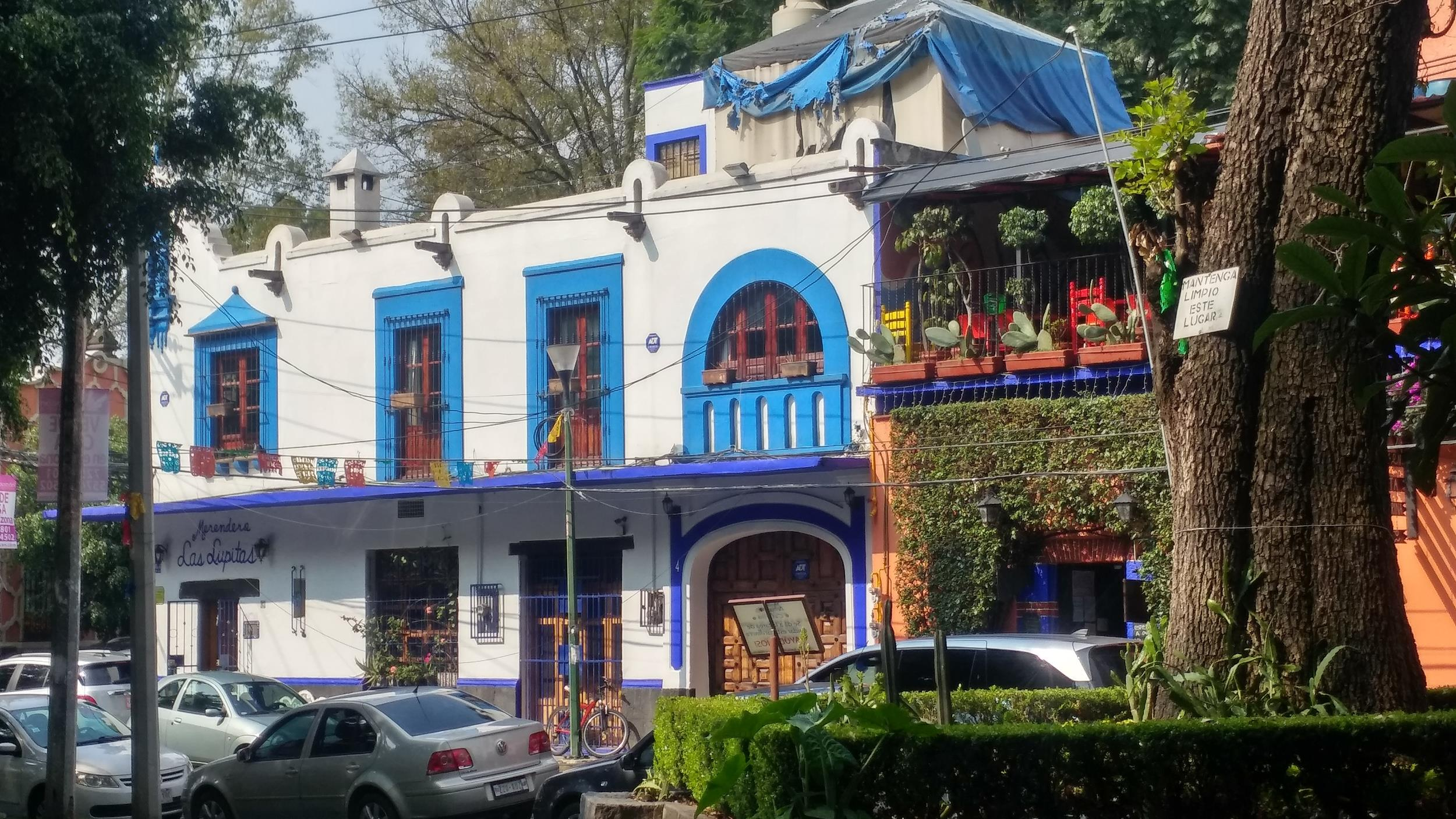 Free-History-&-Food-Tour-of-Coyoacan,-Mexico-City-17