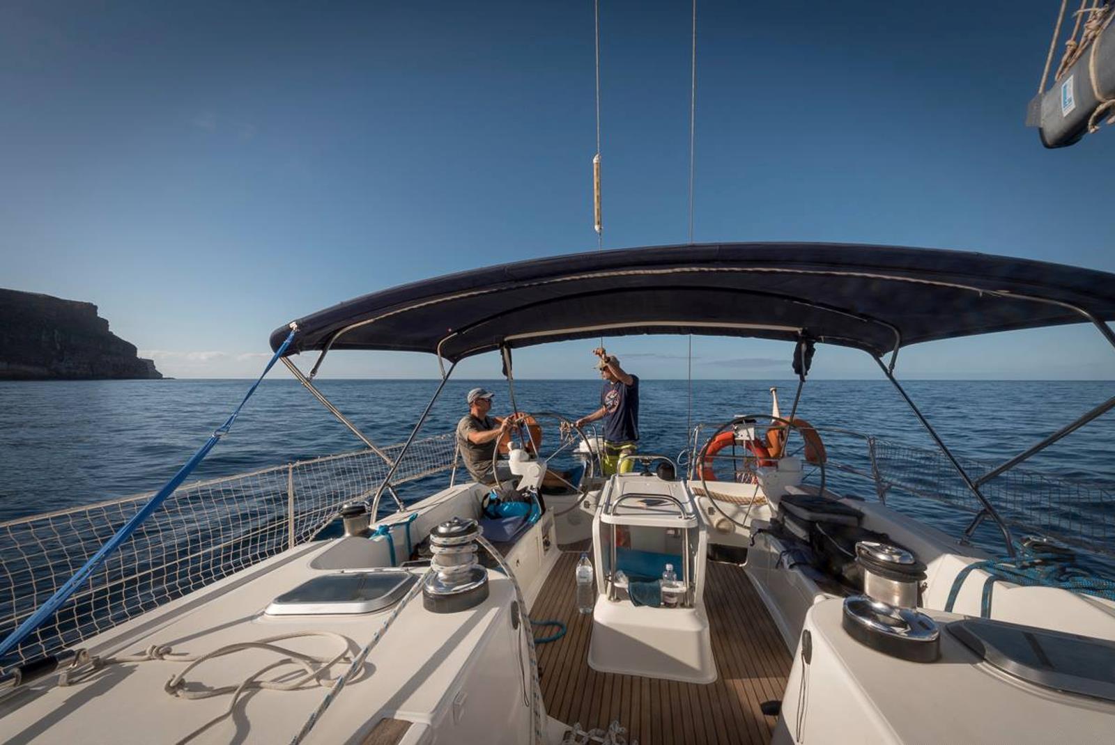 Sailing-Boat-Trip-from-Puerto-de-Mogan-4