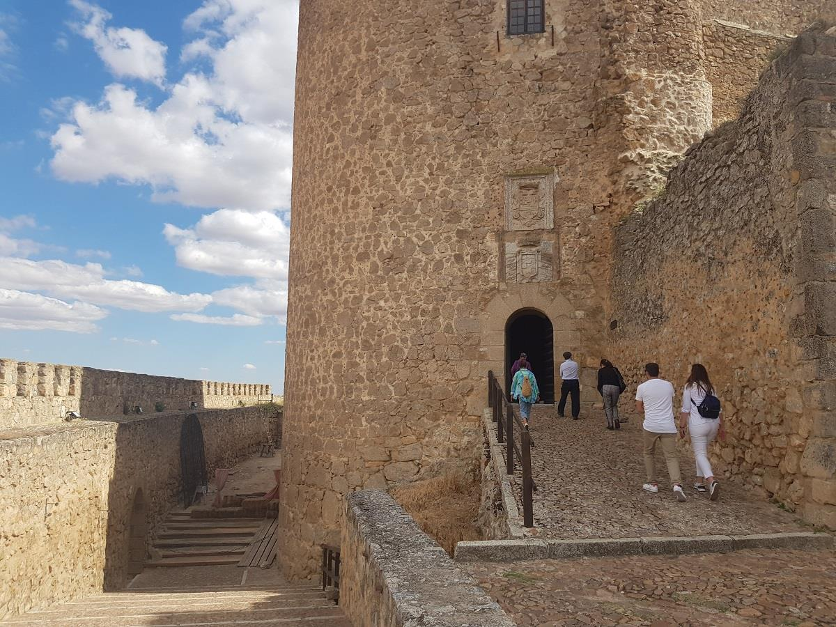 Offer:-Museum,-Castle,-Windmills-of-Consuegra-1