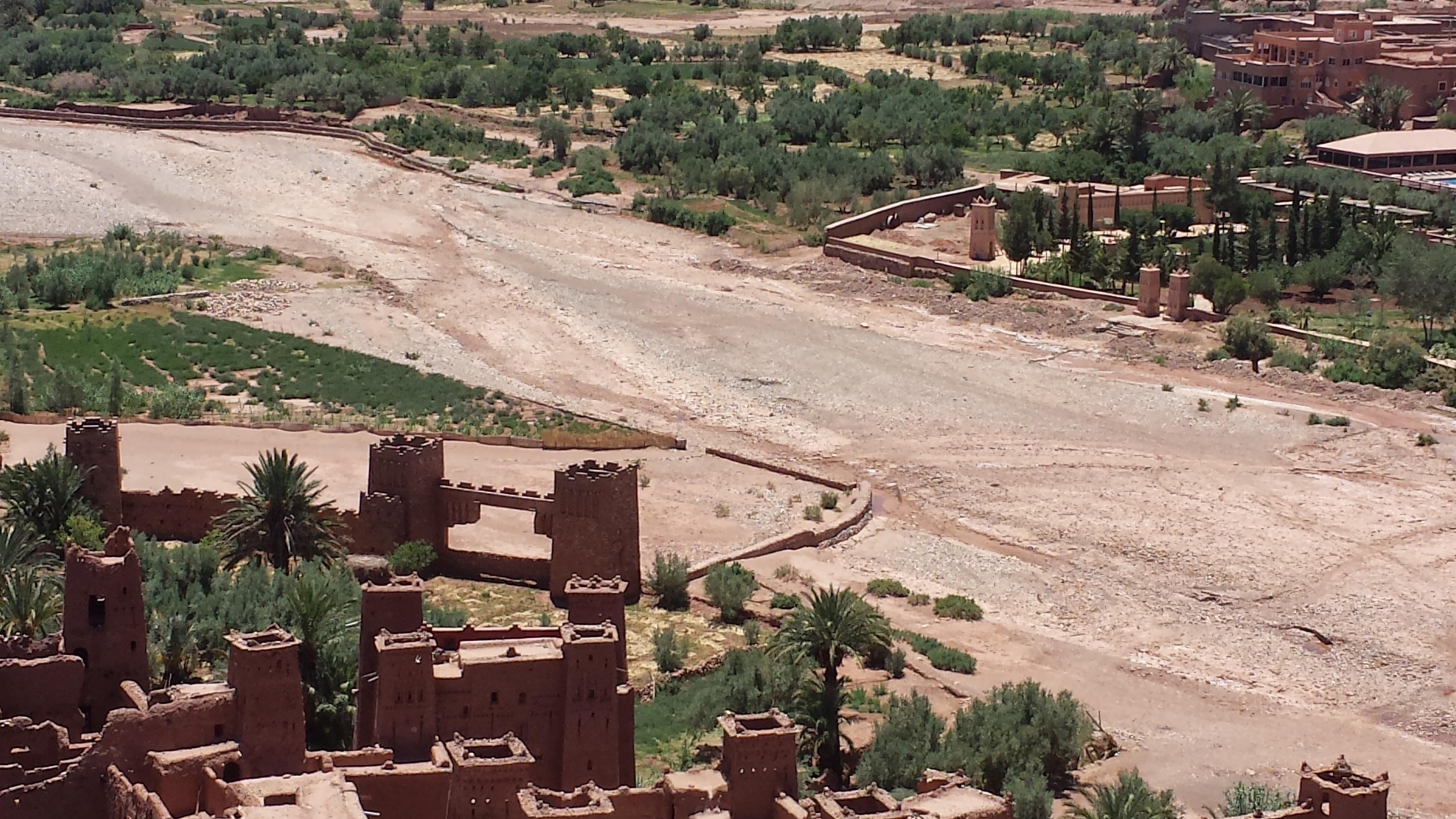 Merzouga-desert-tour-ending-in-Fez-2