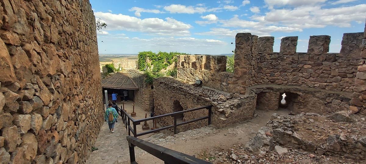 Offer:-Museum,-Castle,-Windmills-of-Consuegra-2