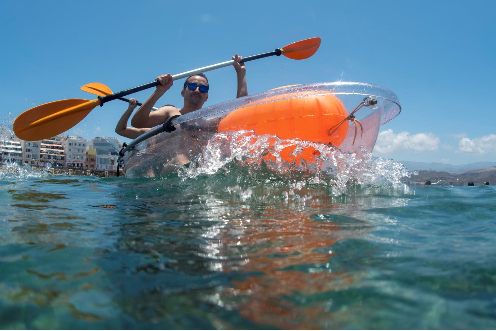 Tour-Clear-Kayak-in-Las-Canteras-with-Snack-4