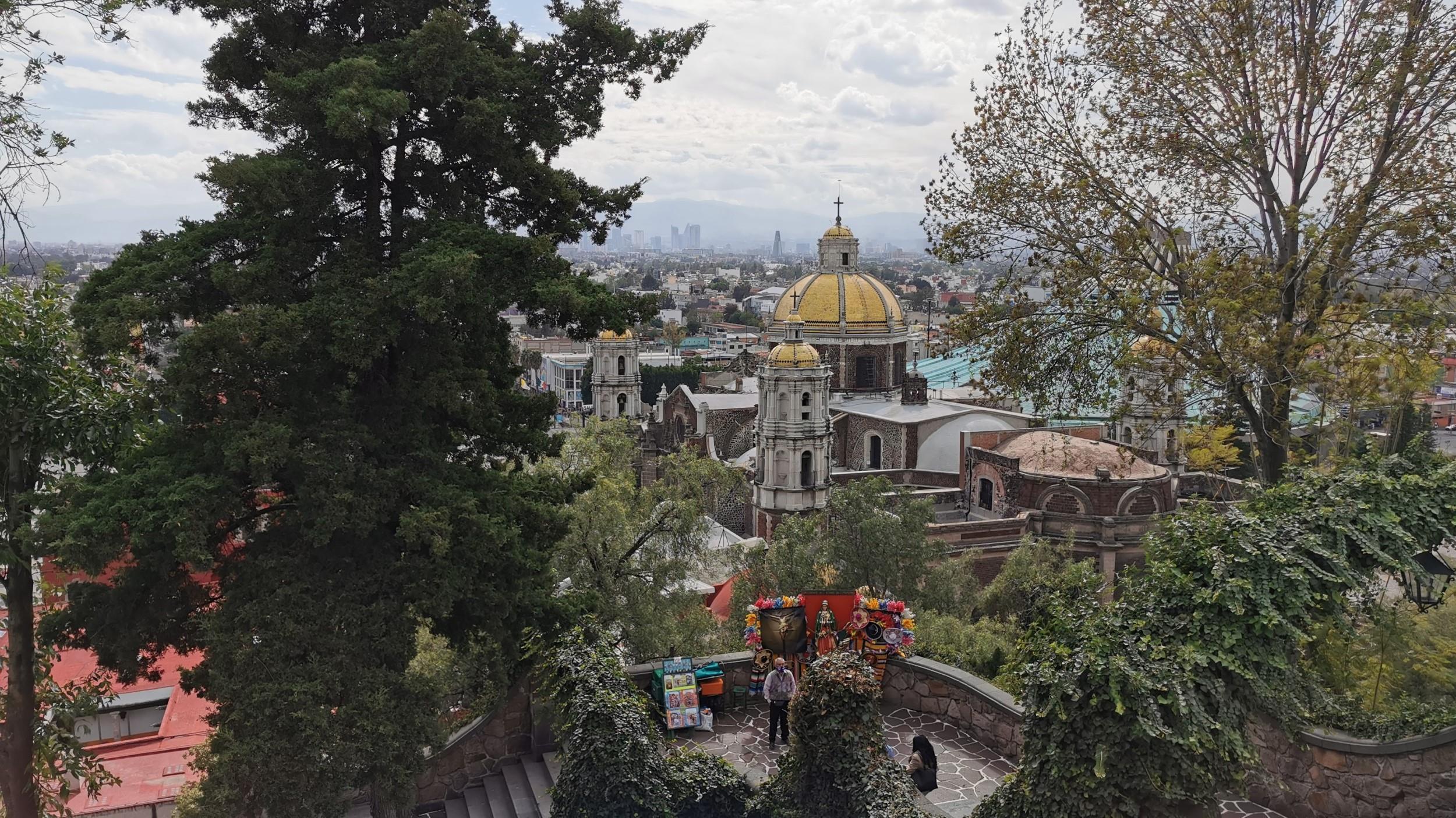 Free-Walking-Tour---Basilica-de-Guadalupe-12