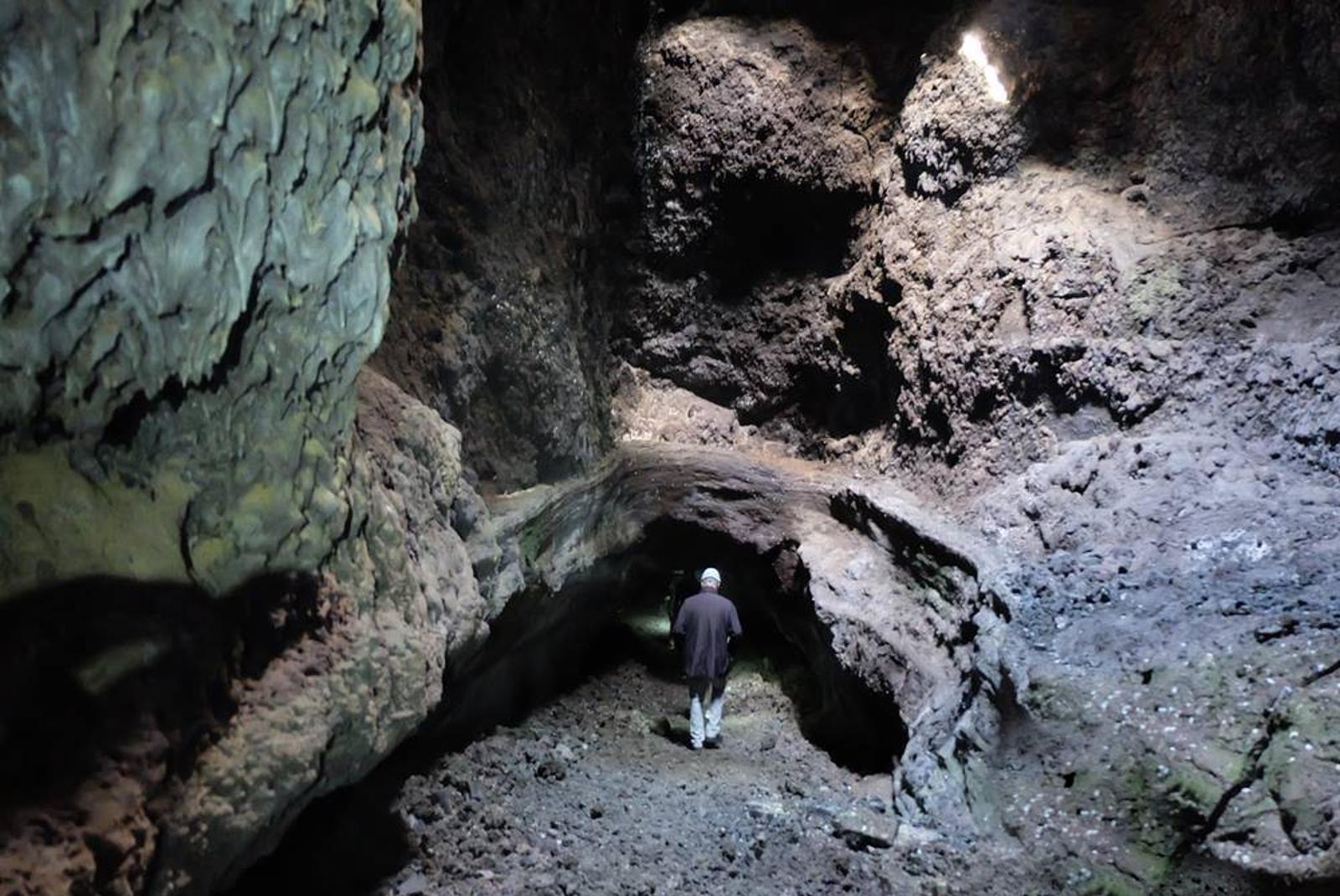 Speleology-Tour-in-Cueva-de-Las-Palomas-1