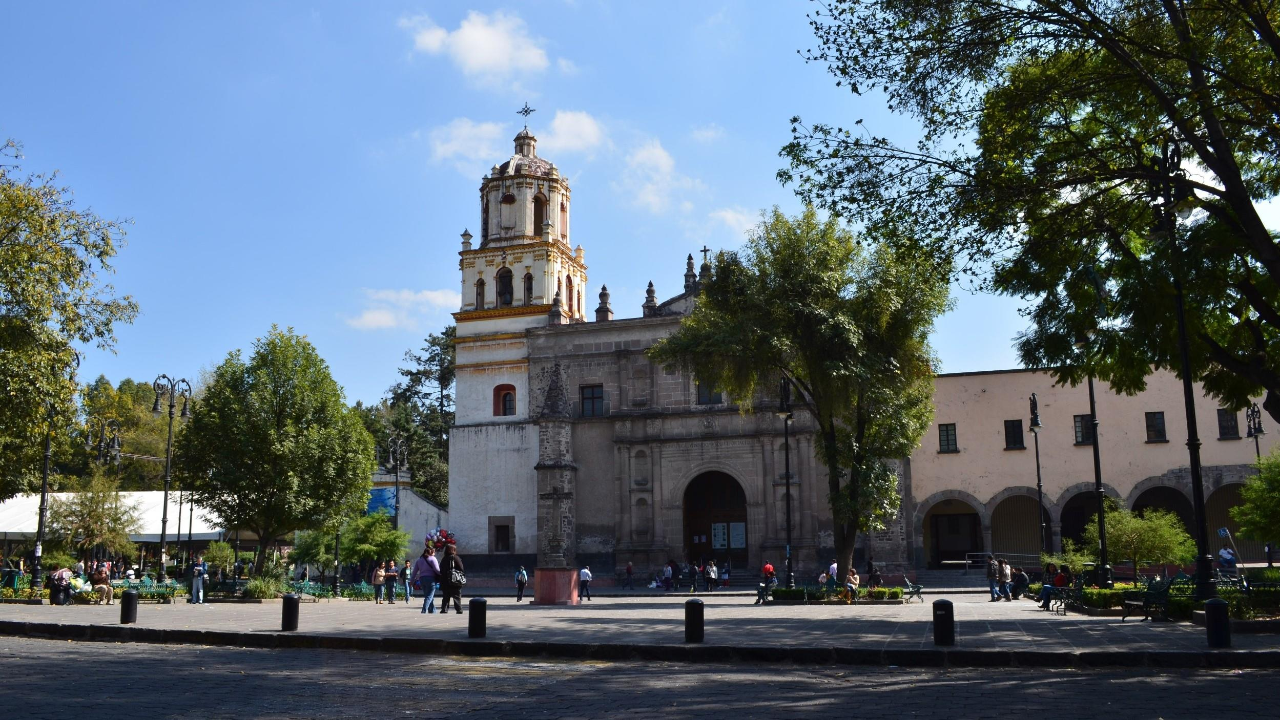 Free-History-&-Food-Tour-of-Coyoacan,-Mexico-City-2