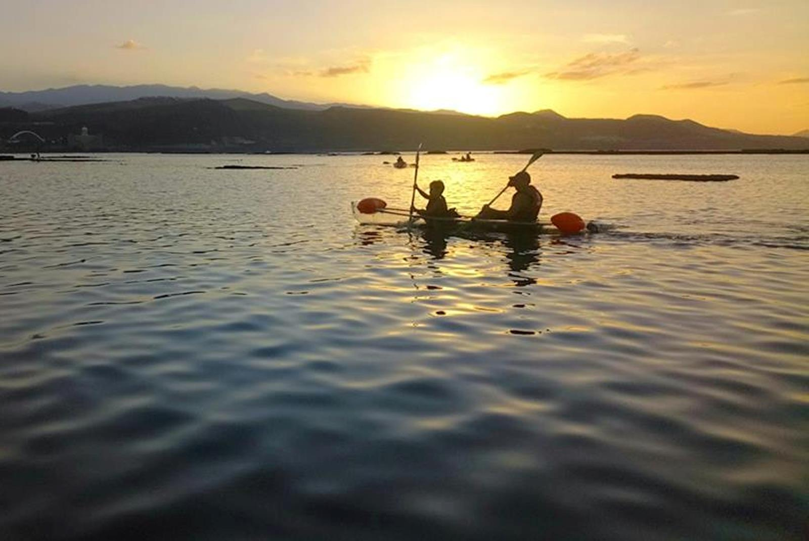 Tour-Clear-Kayak-in-Las-Canteras-with-Snack-3