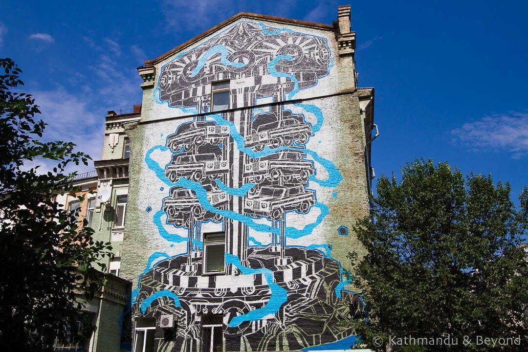 Urban-Art-and-Graffiti-Tour-of-Kiev-3