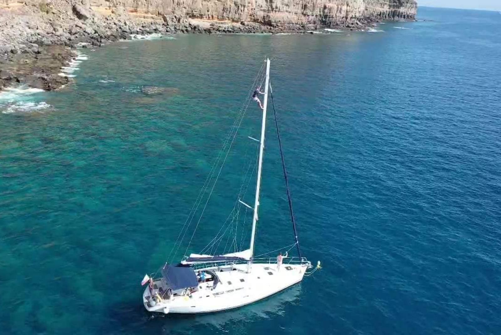 Sailing-Boat-Trip-from-Puerto-de-Mogan-5