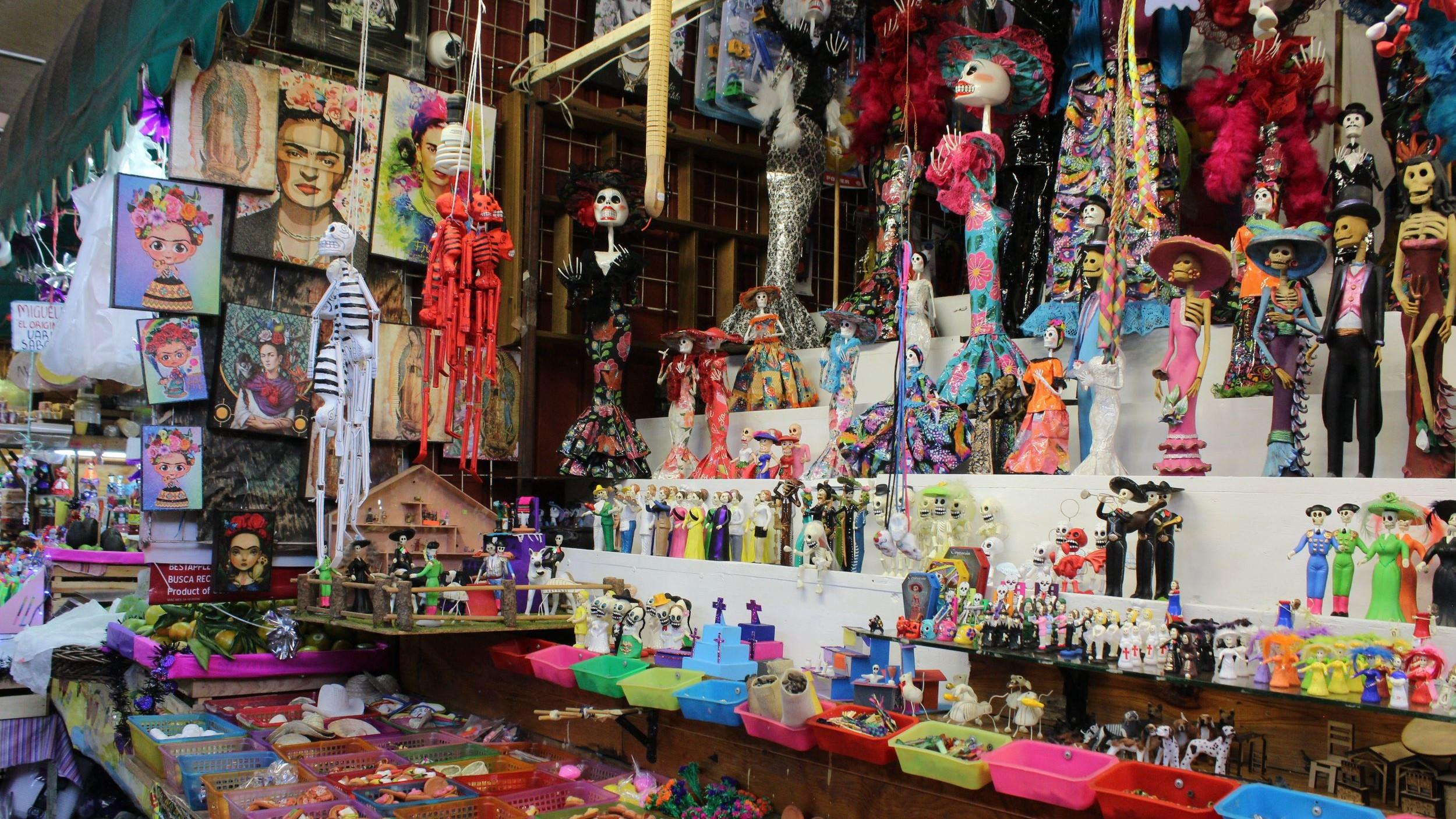 Free-History-&-Food-Tour-of-Coyoacan,-Mexico-City-14