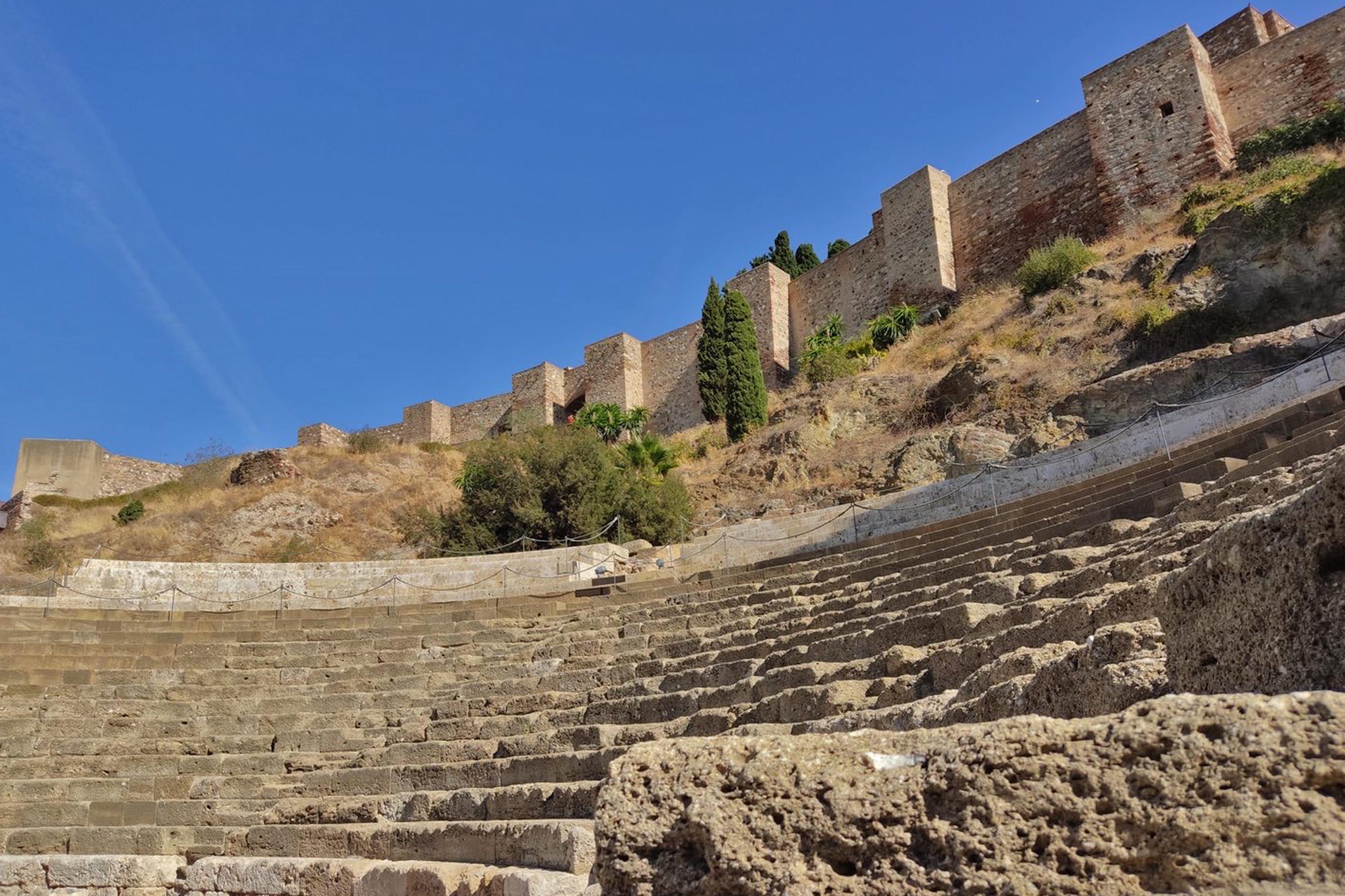 Tour-Teatro-Romano-y-Alcazaba-de-Malaga-1