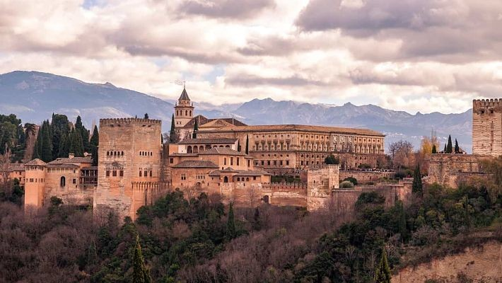 alhambra-and-granada-day-trip-from-malaga-3