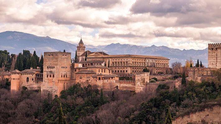 excursion-a-la-alhambra-y-granada-desde-malaga-3