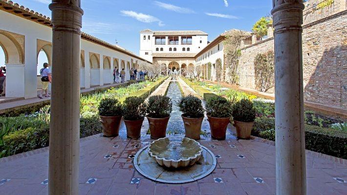 excursion-a-la-alhambra-y-granada-desde-malaga-5