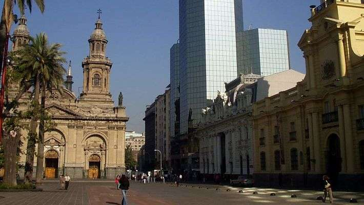 untouched-santiago-de-chile-free-walking-tour-1