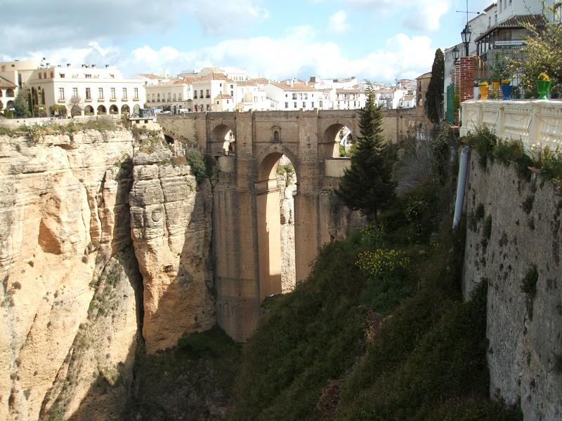 guided-tour-of-ronda-with-wine-tasting-2