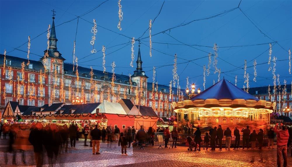 free-tour-of-madrid-at-christmas-1