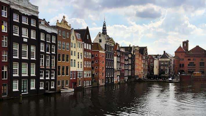 historical-amsterdam-free-walking-tour-2