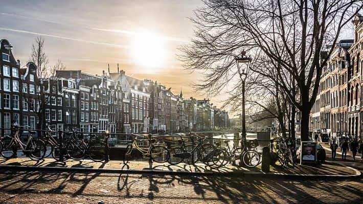 historical-amsterdam-free-walking-tour-3