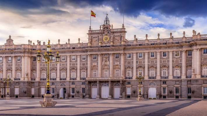 royal-palace-madrid-guided-tour-2
