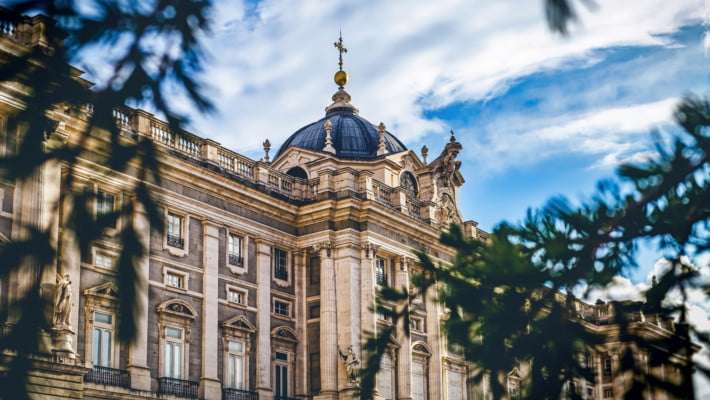 royal-palace-madrid-guided-tour-1