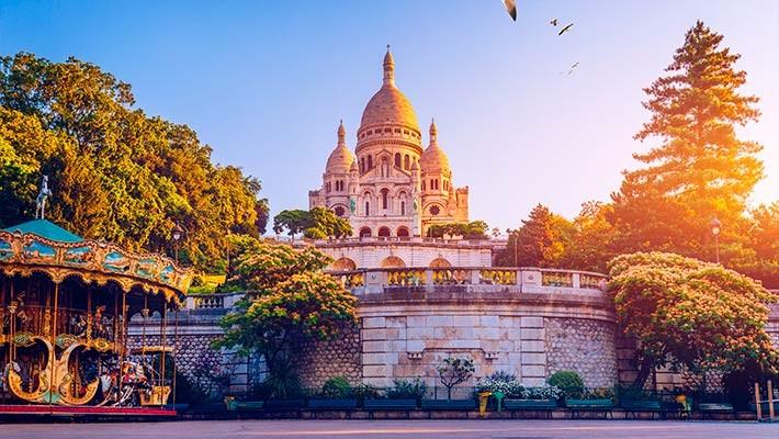 cabaret-parisien-walking-tour-in-montmartre-3