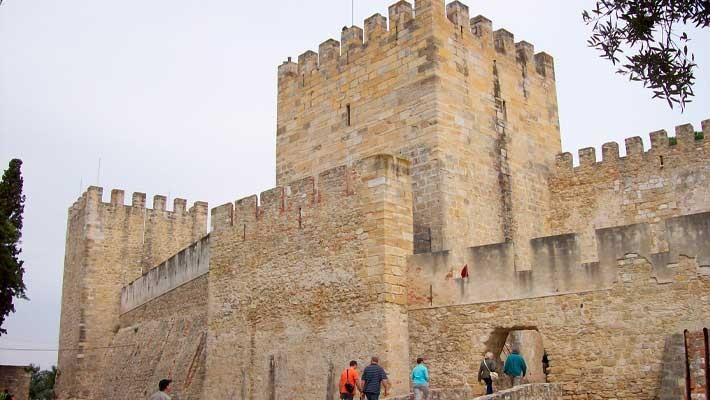 tour-sao-jorge-castle-and-alfama-lisbon-1