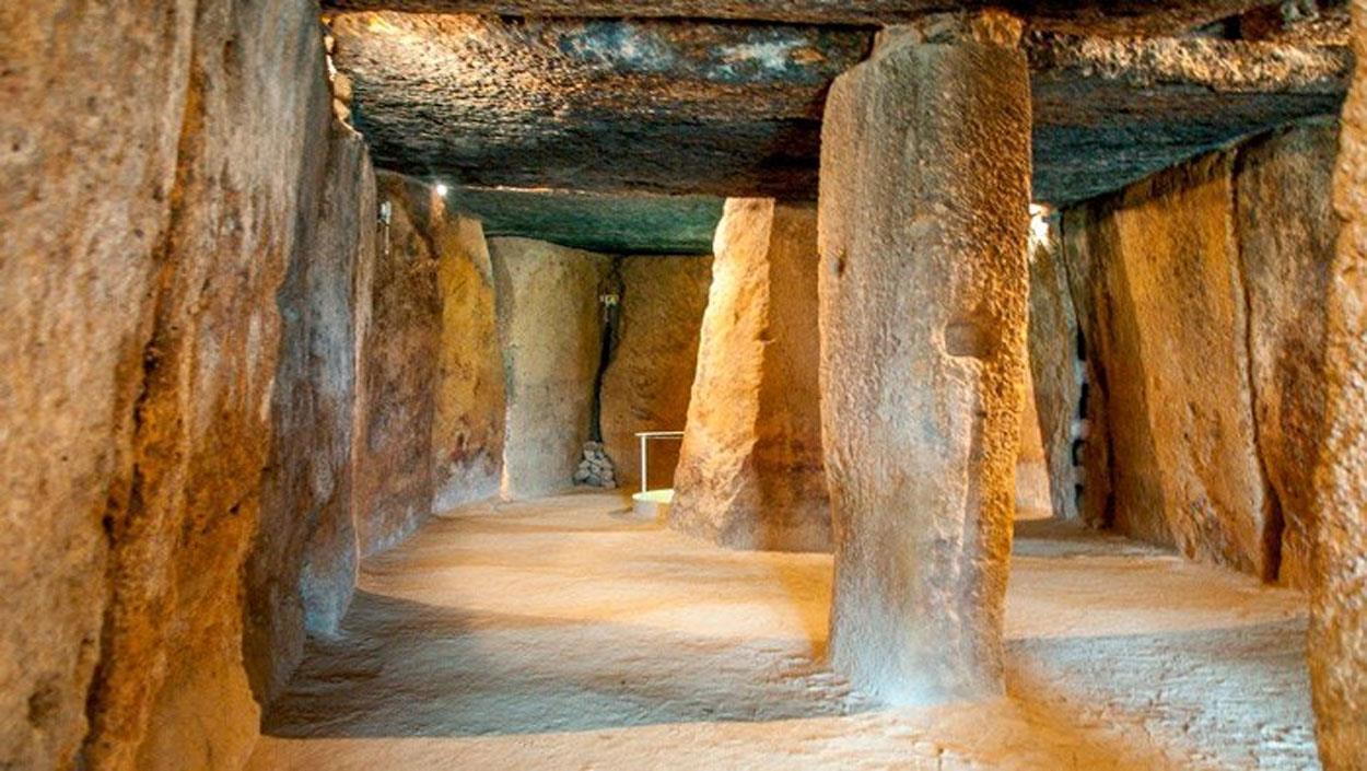 Visita Guiada por Antequera Monumental y Dólmenes