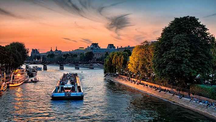 seine-river-sightseeing-cruise-2