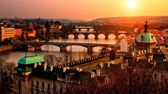prague-dinner-and-music-cruise-tickets-3