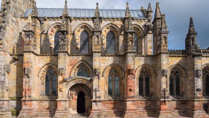 rosslyn-chapel-and-hadrians-wall-day-trip-1
