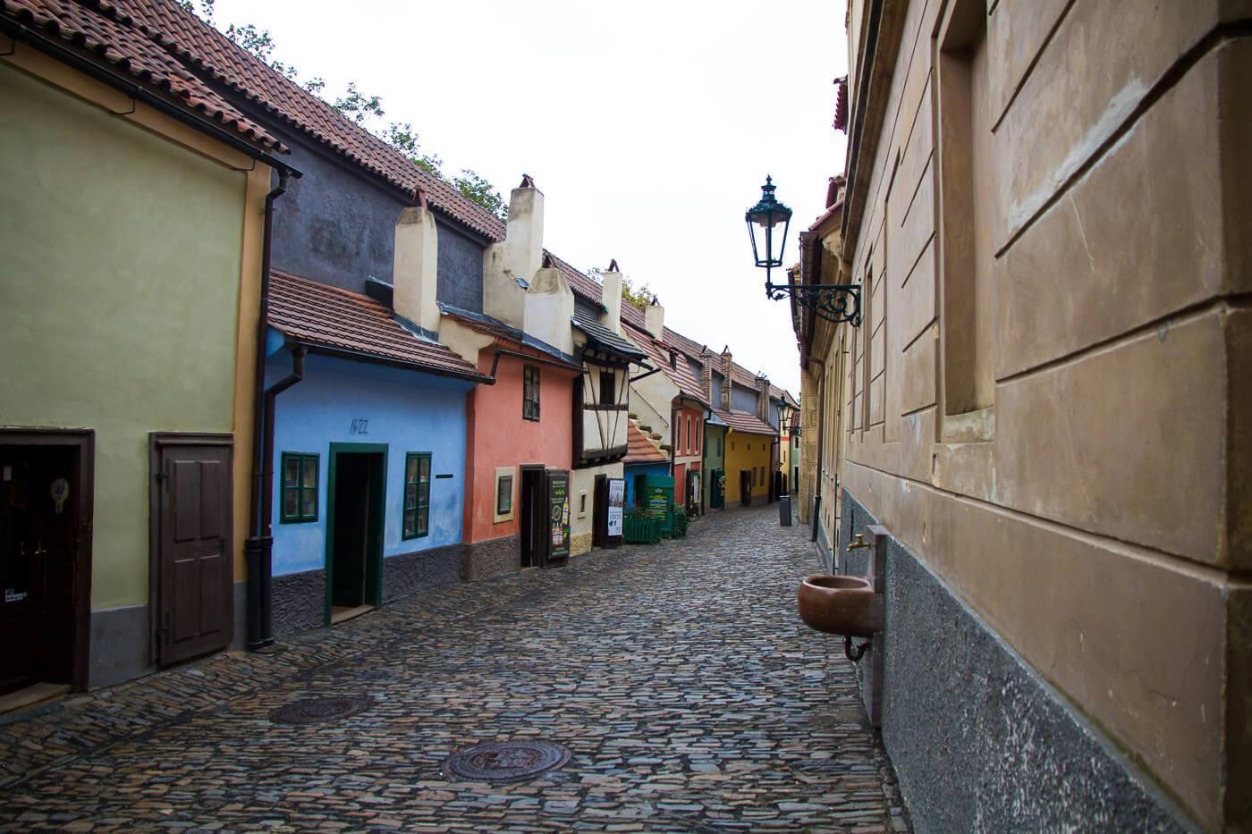 prague-castle-and-mala-strana-district-tour-21