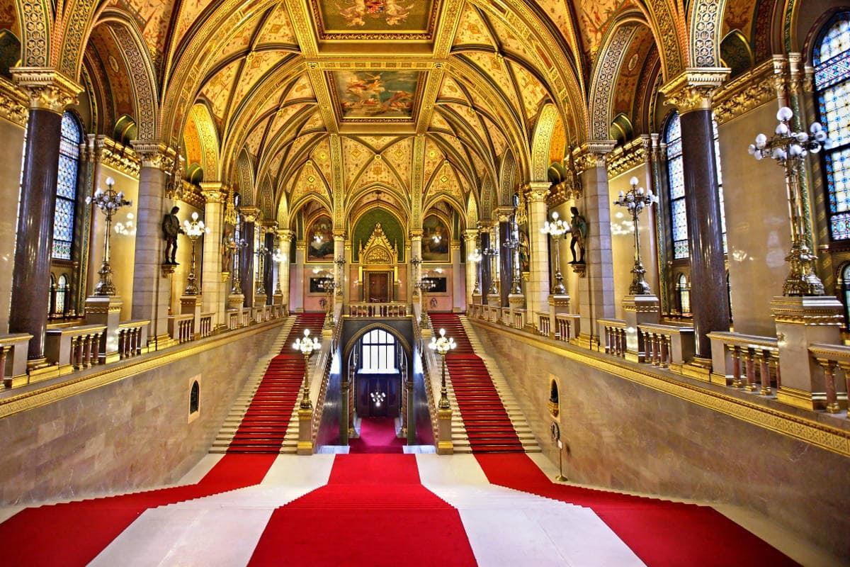 visita-guiada-parlamento-de-budapest-14