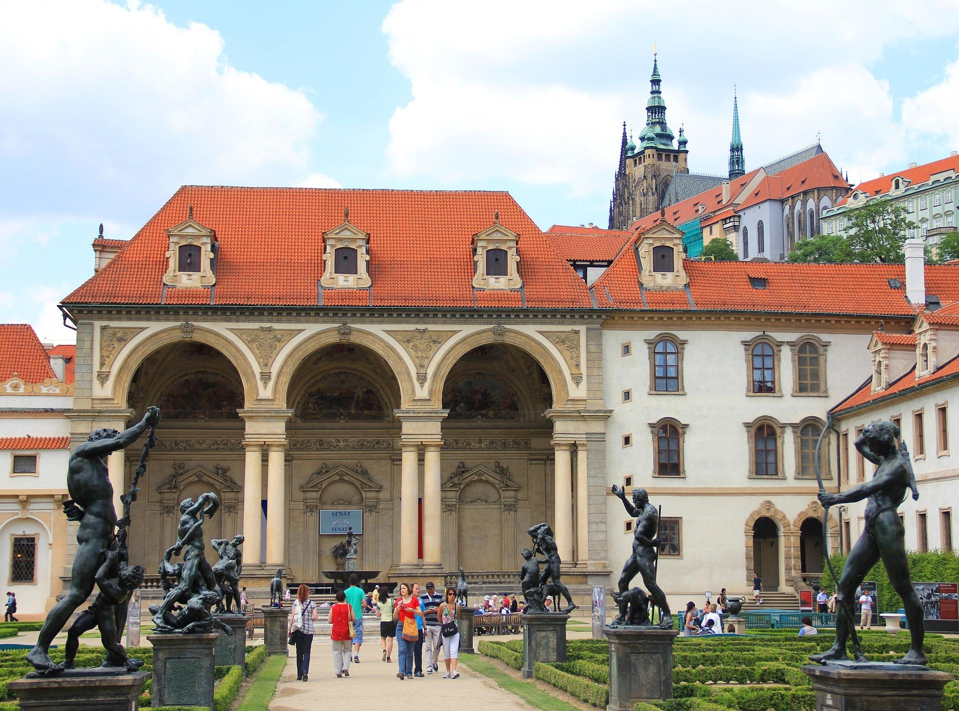 prague-castle-and-mala-strana-district-tour-36