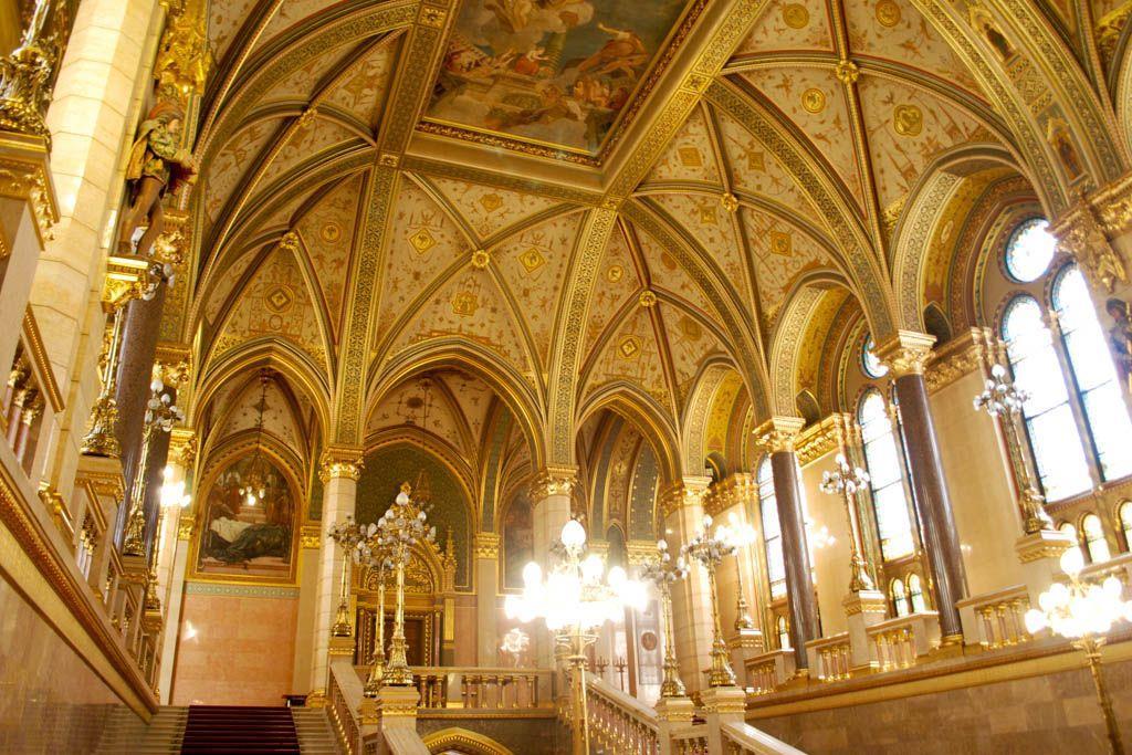visita-guiada-parlamento-de-budapest-7