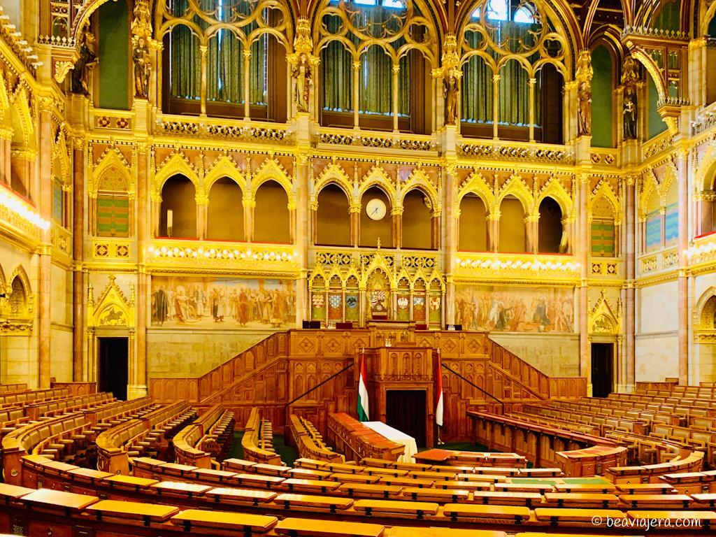 visita-guiada-parlamento-de-budapest-12