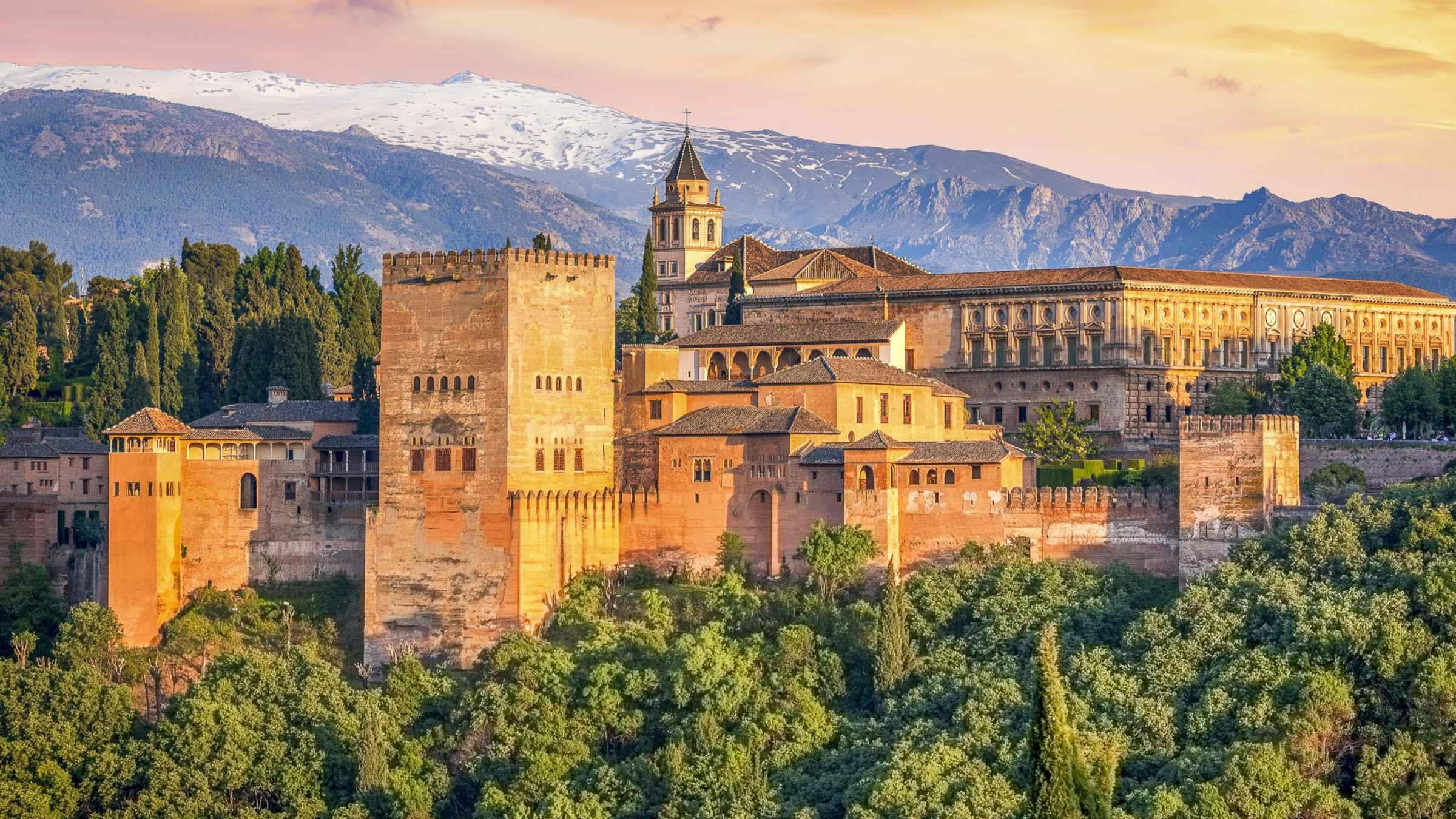 Entrada con visita a la Alhambra y Generalife